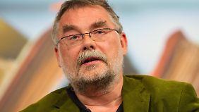 Der Medizinhistoriker Volker Hess sichtete über drei Jahre lang Studien-Unterlagen.