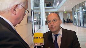 """Gregor Gysi im Gespräch mit Heiner Bremer: """"Dass ich jetzt für Koalitionen mit der Union bin, ist natürlich Blödsinn"""""""
