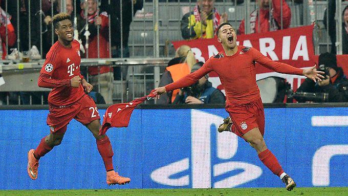 Späte Joker-Helden: Thiago brachte den FC Bayern in der Verlängerung mit dem 3:2 auf Viertelfinalkurs, kurz danach beseitigte Coman mit dem 4:2-Endstand alle Zweifel. Beide waren erst eingewechselt worden.
