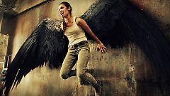 Noma opfert ihre Flügel, um Alex zu retten. Doch das verändert sie.
