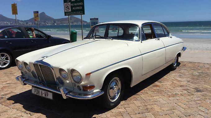 In einem alten Jaguar fühlen sich der legendäre Chapmans Peak Drive, die Weinberge von Stellenbosch oder der Frenchhook Pass gleich ganz anders an.