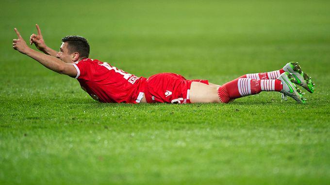 Schaut auf mich: Damir Kreilach bejubelt seinen Treffer für Union Berlin.
