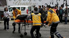 36 Menschen sind verletzt, darunter zwölf ausländische Staatsbürger, teilt der türkische Gesundheitsminister Mehmet Müezzinoglu mit, ...