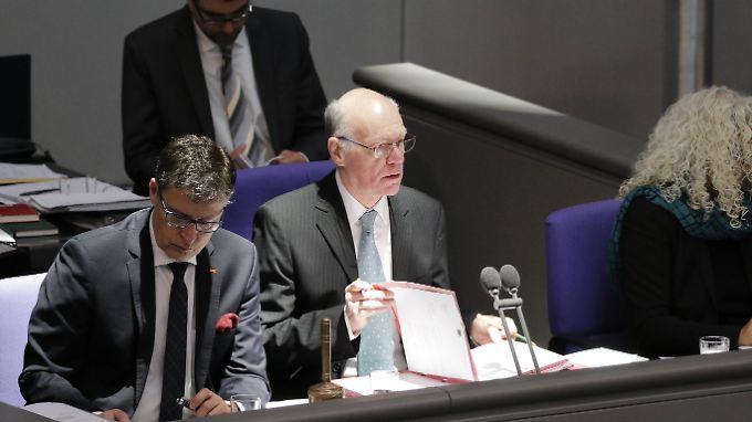 Bundestagspräsident Lammert empfindet die strafrechtliche Immunität von Bundestagsabgeordneten teilweise als Belastung.