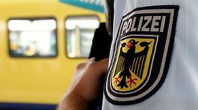 Die junge Deutsch-Marokkanerin hatte bei einer Personenkontrolle am Bahnhof unvermittelt zugestochen.