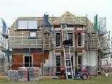 Ob beimHausbau alles glatt läuft, hängt stark von der Wahl einer zuverlässigen und kompetenten Baufirma ab.