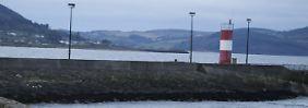 Familie verunglückt in Irland: Auto stürzt von Hafenmole ins Wasser