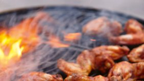 Fehlt auch bei Menta nicht: Smoky hot Chickenwings.