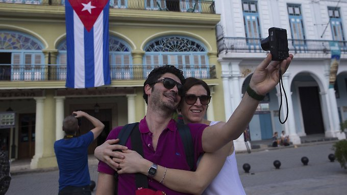 Die Touristen strömen nach Kuba - davon will auch Airbnb profitieren.