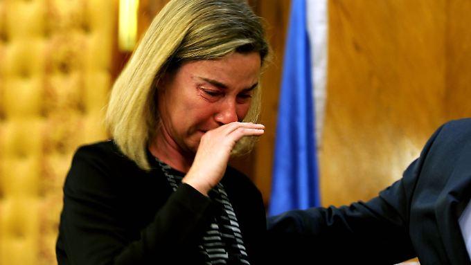 Federica Mogherini ist sichtlich erschüttert.