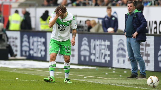 Max Kruse muss sich bessern. Sein Verein VfL Wolfsburg will ihm dabei helfen.