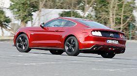 Eine Vertikale Rückleuchten-Grafik zierte schon den ersten Mustang.