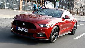 Erstmals ist der Mustang offiziell bei den deutschen Ford-Händlern zu haben.