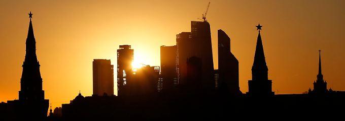 Ein wunderschöner Sonnenuntergang in Moskau.