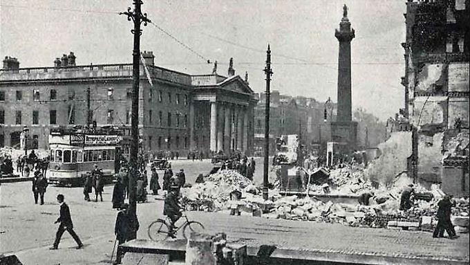 Nach dem Osteraufstand 1916 gleicht die Dubliner Innenstadt, hier zu sehen das Hauptpostamt, einem Trümmerfeld.