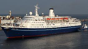 Die Marco Polo im Warnemünder Hafen: Der Vorfall passierte allerdings in Portugal.