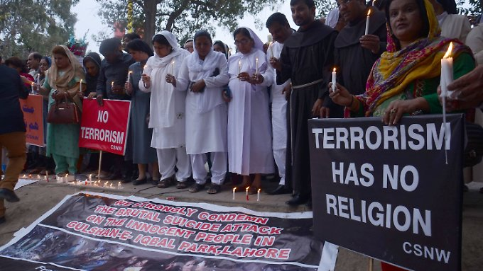 Trauer um die Toten: 72 Menschen sind bei dem Selbstmordanschlag ums Leben gekommen.