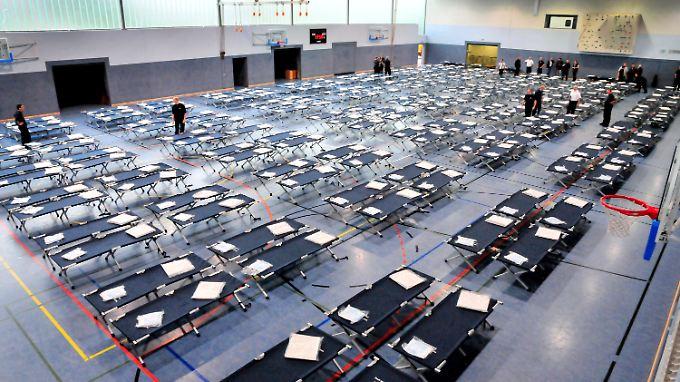 Erstunterbringung von Flüchtlingen ist auch in der Neuwerker Sporthalle in Mönchengladbach geplant.
