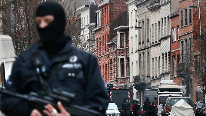 In Molenbeek gab es mehrfach Razzien auf der Suche nach Terrorverdächtigen. Auch der mutmaßliche Paris-Attentäter Abdeslam wurde hier gefasst.