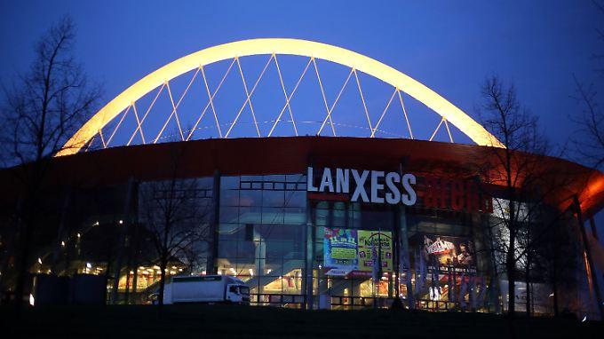 In der Kölner Lanxess Arena sind für den 1. April sowohl ein Handball-Länderspiel, als auch eine Eishockey-Playoff-Partie angesetzt.