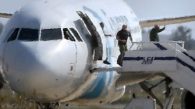 Alle Geiseln unverletzt: Flugzeugentführung auf Zypern beendet