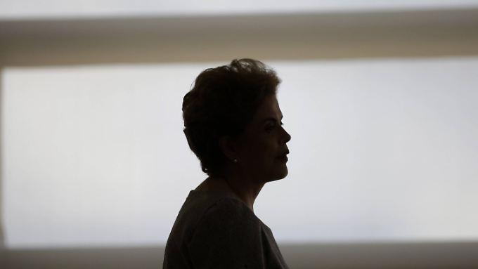 Brasiliens Präsidentin Dilma Rousseff war 2014 gerade von vielen der Armen im Land mit großen Hoffnungen in ihr Amt gewählt worden.