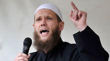 Salafisten-Prediger vor Gericht: Bundesanwalt klagt Sven Lau an