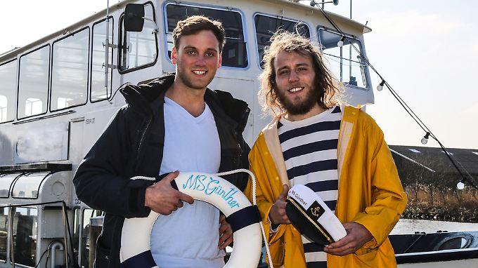 Leon und Oliver sehen einer Zukunft als Party-Kapitäne gelassen entgegen.