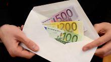 Schwedische Bank hat gerechnet: EZB könnte pro Kopf 1300 Euro verschenken