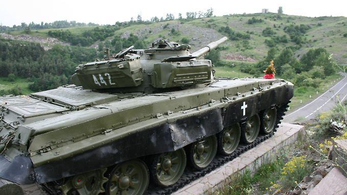 Panzerdenkmal in Berg-Karabach: Aus dem vergessenen Konflikt könnte wieder ein heißer werden.
