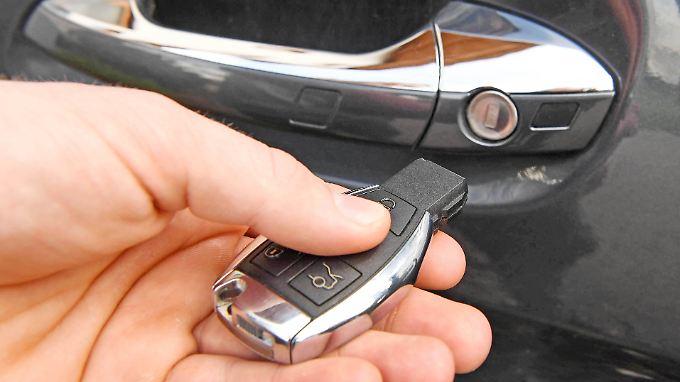 Wer ein Keyless-Go-System hat, der braucht eigentlich nicht mal mehr den Autoschlüssel aus der Tasche zu nehmen.