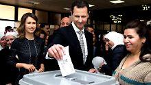 Vorschlag der UN interessiert nicht: Assad hält demonstrativ Wahl ab