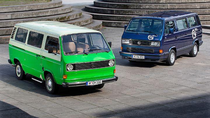 Vom Gebrauchtwagen zum Liebhaberstück avanciert ist mittlerweile die dritte Generation Bulli - hier Anfang und Ende der T3-Baureihe.