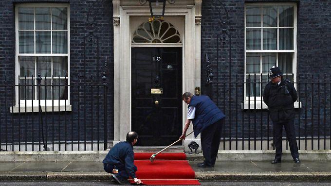 Was geschieht nur hinter der schwarzen Tür von Downing Street Nr. 10?