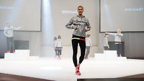 """Lena Gercke zur neuen Olympia-Kollektion: """"Die Schuhe trage ich eigentlich nonstop"""""""