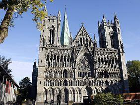 Der Nidarosdom (alter Name Trondheims: Nidaros) gehört zu den bedeutendsten Kirchen Norwegens, er gilt als Nationalheiligtum. Er war die Kathedrale der norwegischen Erzdiözese, die 1152 gegründet wurde.