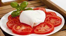 Alles Käse?: Discounter-Mozzarella schmeckt am besten