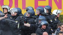 Der Sport-Tag: Mit 25.000 Euro: Polizei muss Frankfurt-Fans entschädigen
