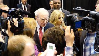 """Beim """"Woodstock des Kapitalismus"""": Warren Buffett verwöhnt Fans mit starken Zahlen"""