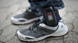 IS-Terror mit neuer Dimension: Maaßen unterstützt Fußfessel-Vorschlag für islamistische Gefährder