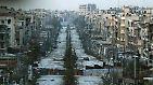 Ford zufolge wendet Russland in Aleppo eine Strategie an, die sich schon im tschetschenischen Grosny bewährt habe. Mit heftigen Bombardements hatte Russland 1999 bis 2000 den Kampf gegen islamistische Separatisten zwar gewonnen, die Hauptstadt der einstigen Sowjetrepublik dabei jedoch dem Erdboden gleichgemacht.