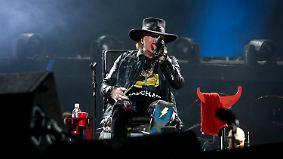 Gelungener Einstand im Sitzen: Axl Rose überzeugt skeptische AC/DC-Fans