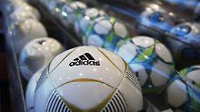 Aller Skandale zum Trotz: Adidas hält der Fifa die Treue