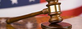 Lebenslange Haft für Vater: Eltern verkaufen Mädchen an Vergewaltiger