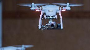 Der Flug einer Drohne muss in Sichtweite des Piloten stattfinden. Foto: Daniel Maurer