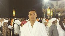 Kleine Pilgerfahrt vor der EM: Özil schickt Grüße aus Mekka