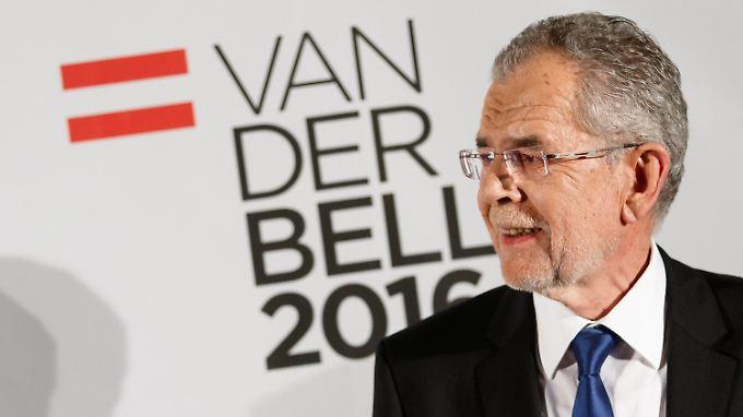 Van der Bellen siegt mit nur wenigen Tausend Stimmen Vorsprung.