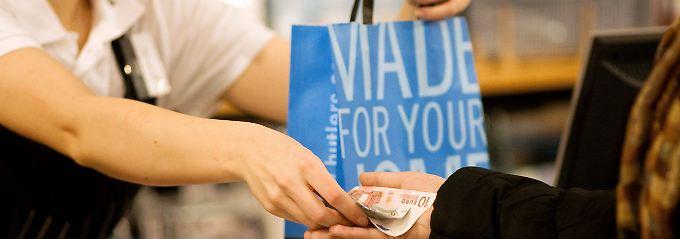 Trotz Terrorangst und Brexit: Konsumklima steigt wieder an