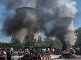 Proteste treffen Energiesektor: Frankreichs AKWs drosseln Stromproduktion