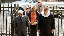 Hamburger Florent starb in Syrien: Trauerfeier für IS-Kämpfer in Kirche